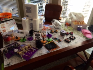 Mummy dress up table