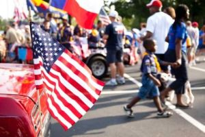 4th-of-July-Restaurant-Promotions-Ideas-street-parade