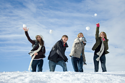 Boot-Camp-Games-Snowball-fight