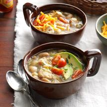 white-bean-chicken-chili_exps_sdon16_39545_b06_08_3b